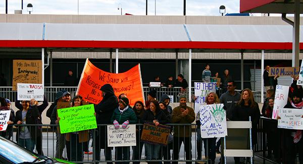 protestors protesting Muslim ban